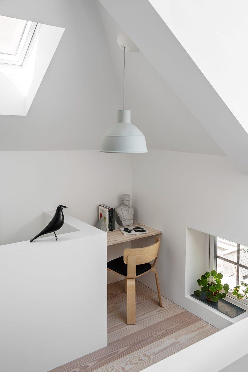 home-of-petrus-palmer-bjorn-forstberg-architecture-sweden_dezeen_2364_col_6
