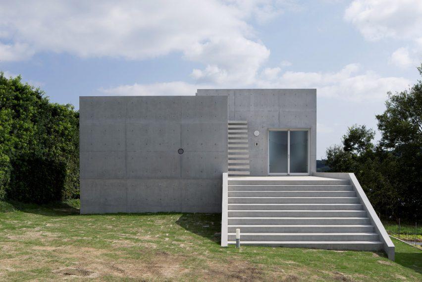 house-akitsu-kazunori-fujimoto-architect-associates-japan-architecture-concrete_dezeen_2364_col_13