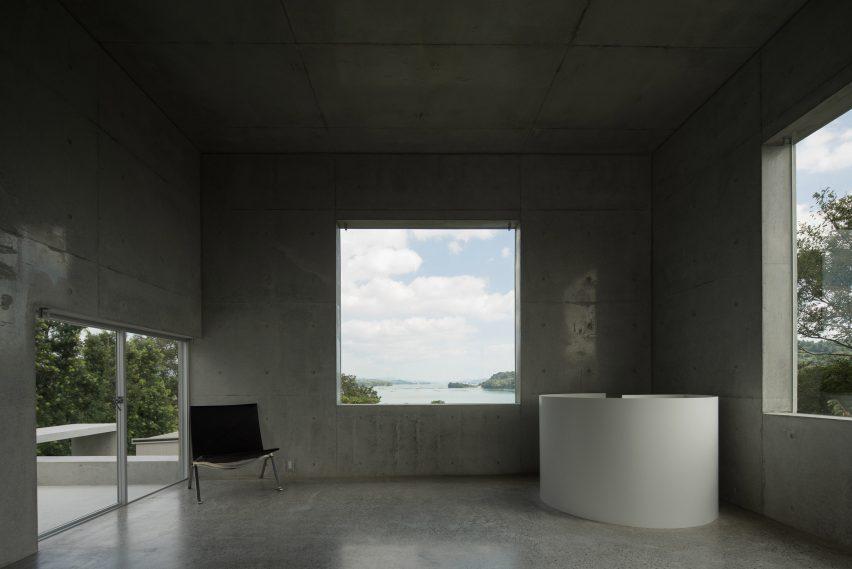 house-akitsu-kazunori-fujimoto-architect-associates-japan-architecture-concrete_dezeen_2364_col_2