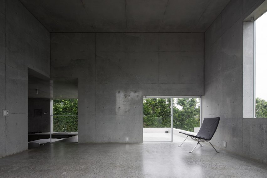 house-akitsu-kazunori-fujimoto-architect-associates-japan-architecture-concrete_dezeen_2364_col_3