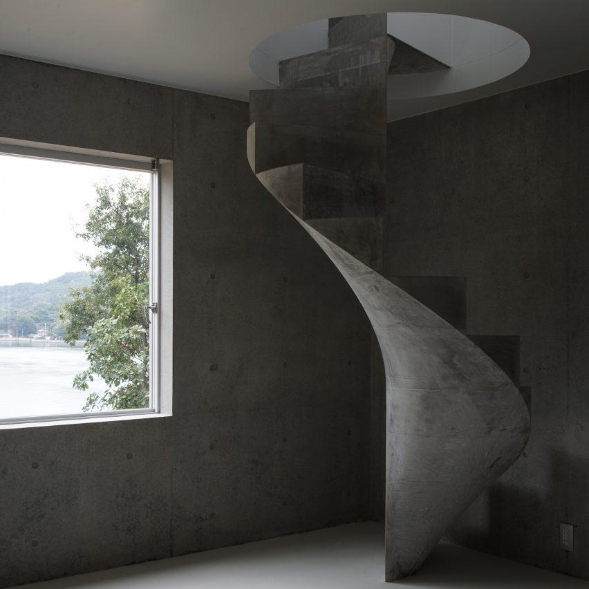 House in Akitsu by Kazunori Fujimoto