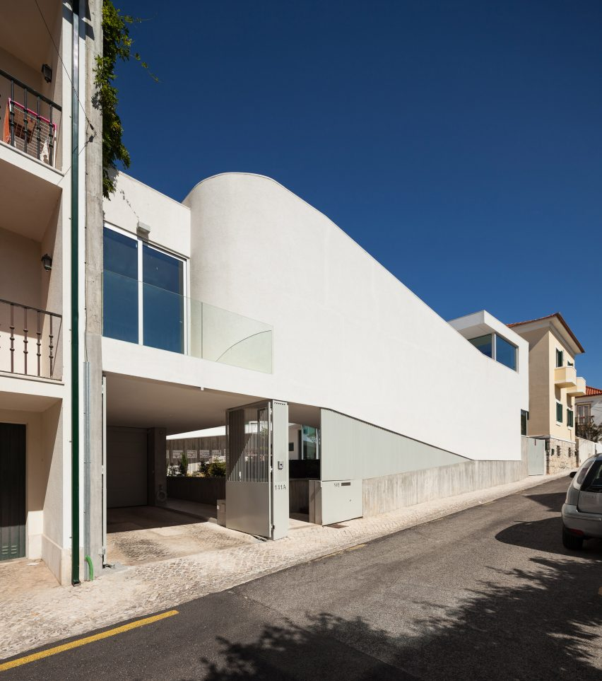 house-estoril-antonio-costa-lima-residential-architecture-portugal_dezeen_2364_col_17