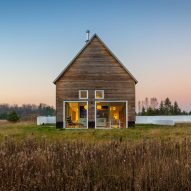 Wisconsin country house by Salmela Architect takes cues from weathered barns