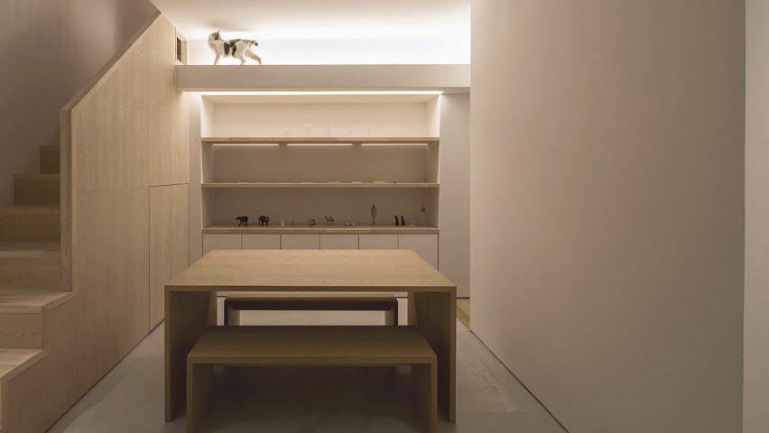 Graphic designer\'s home and studio in Tokyo includes cat walkway
