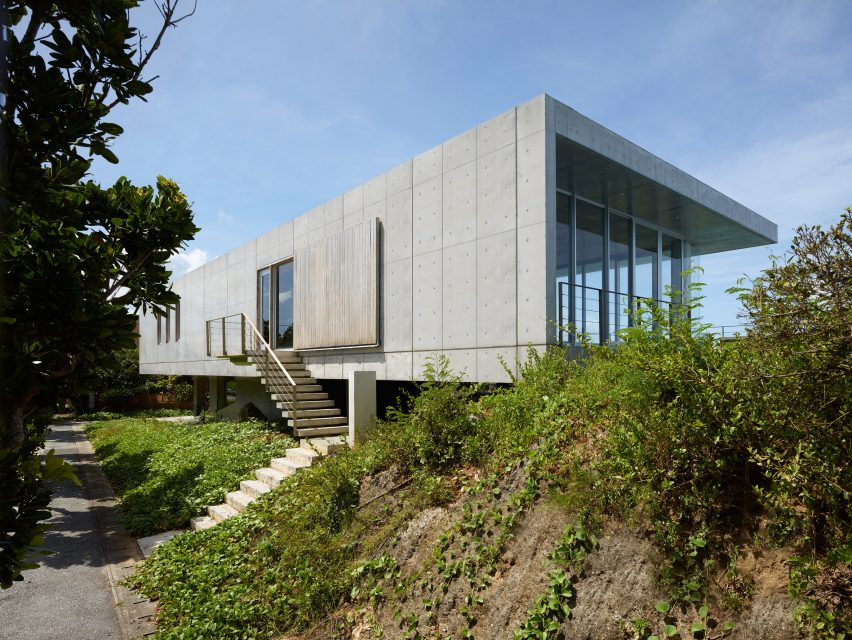 House on Ikema Island by 1100 Architect