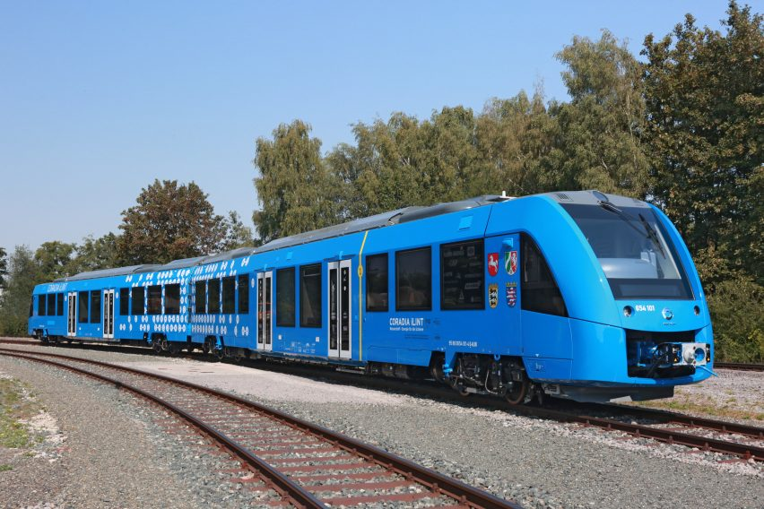 hydroen-fuelled-train-news-design-germany_dezeen_2364_col_4