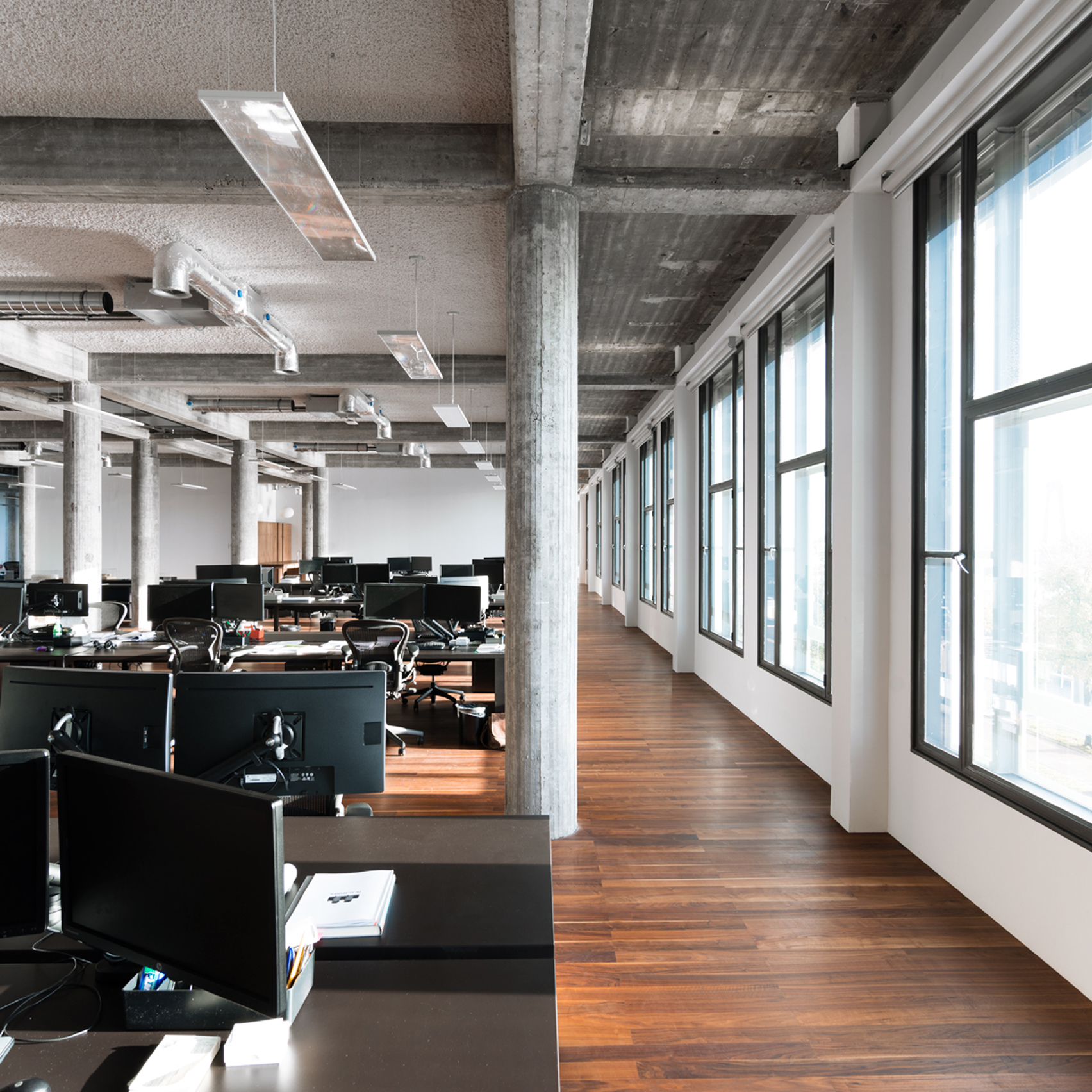 3novices 12 minimalist office interiors where there s for Office design dezeen