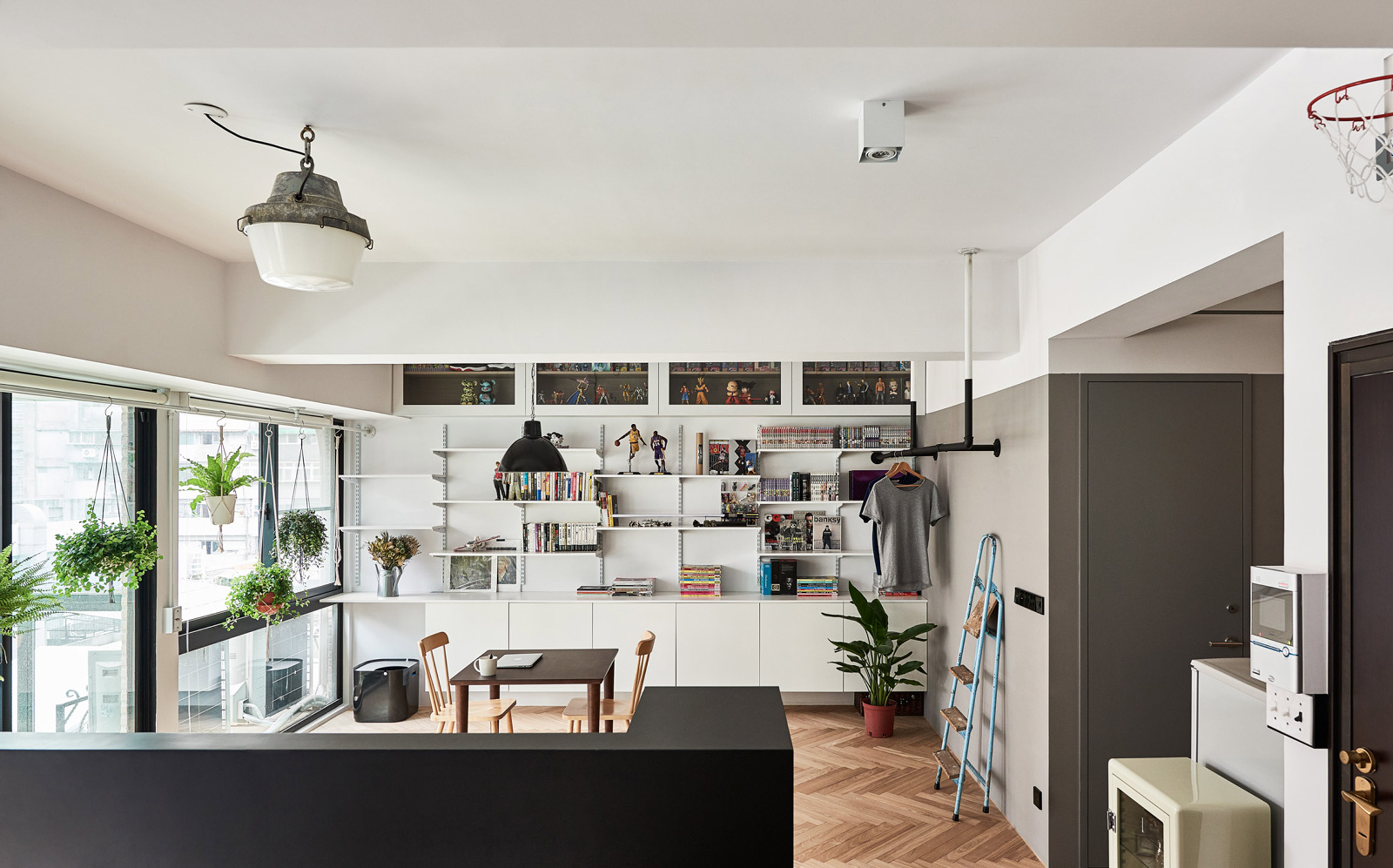 Taipei apartment renovation gives owner and his cats room to play