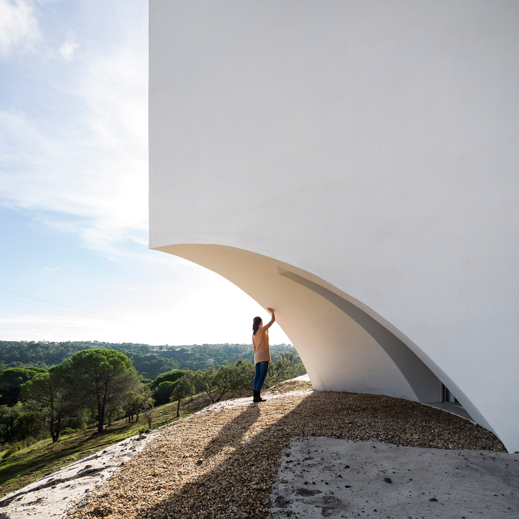 Minimal Architecture dezeen's latest pinterest board focuses purely on minimalist design