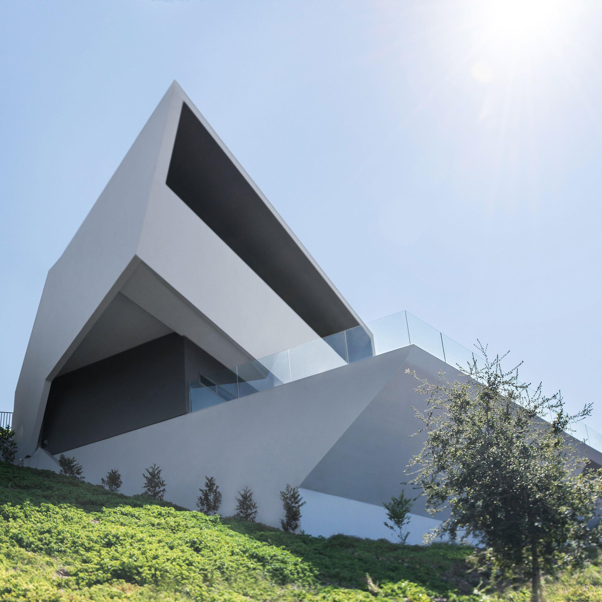 MU77 House by Arshia Architects