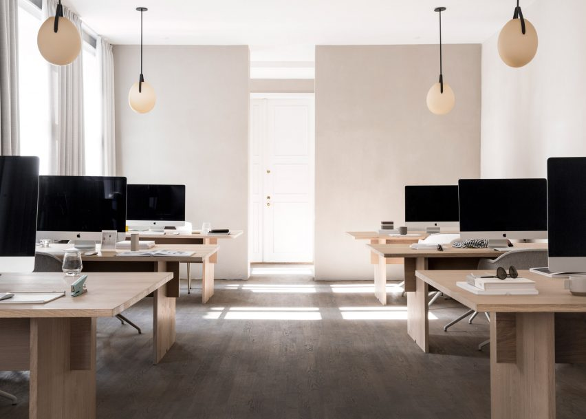 48 Of The Best Minimalist Office Interiors Where There's Space To Think Beauteous Painting Brick Walls Exterior Minimalist Plans