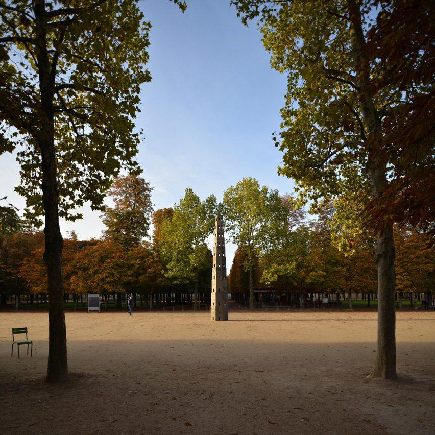 pavilion-fiac-paris-pezo-von-ellrichshausen-architecture-france_dezeen_1704_col_2