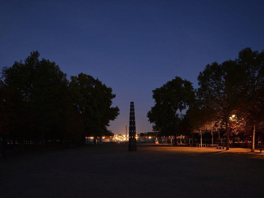 pavilion-fiac-paris-pezo-von-ellrichshausen-architecture-france_dezeen_1704_col_8