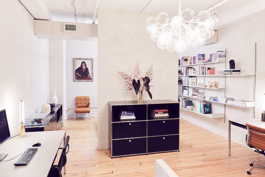 Pelle showroom