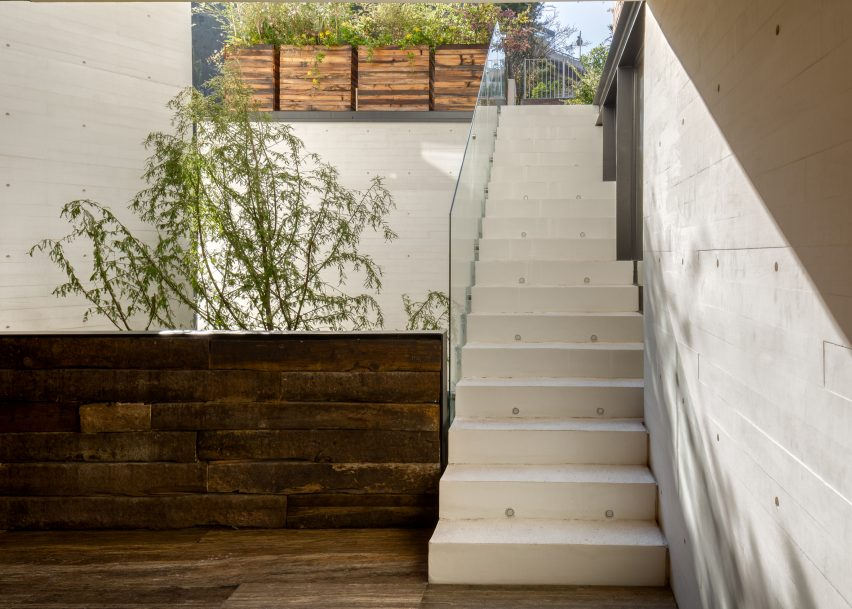 S House by Hector Barroso
