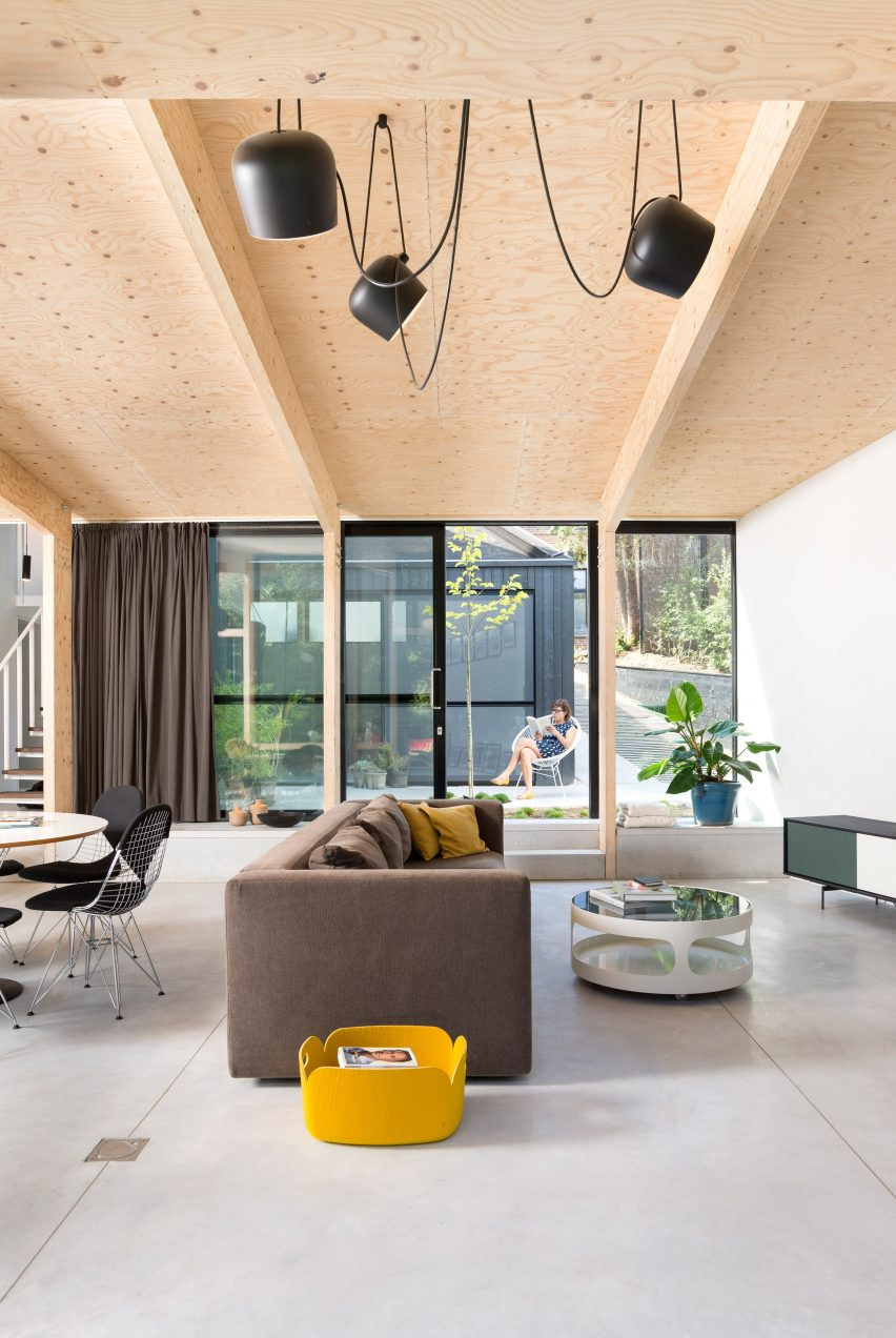 semi-detached-house-with-an-outdoor-area-studio-k-rob-mols-belgium_dezeen_2364_col_4
