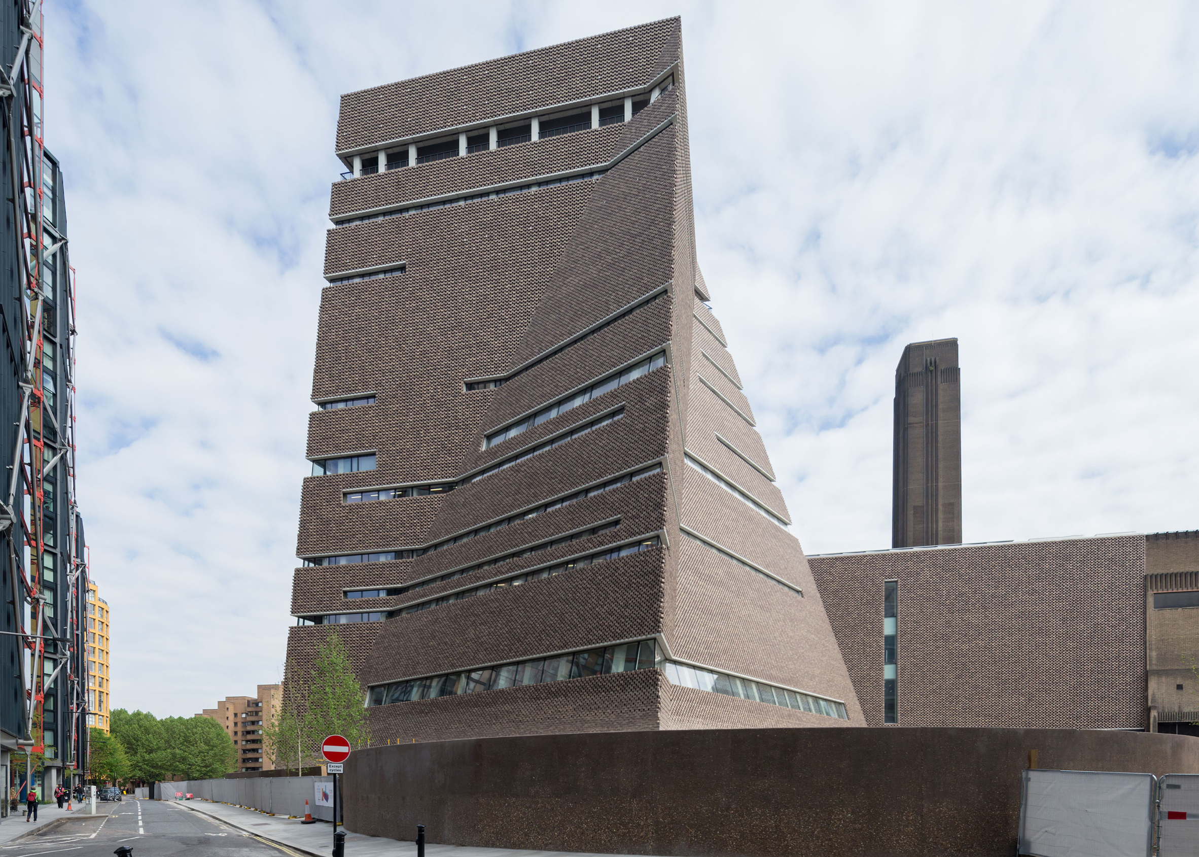 Tate Modern's Switch House extension designed by Herzog & de Meuron. Photograph by Iwan Baan