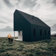 Flat-packed cabin concept allows tiny houses to be assembled like IKEA furniture