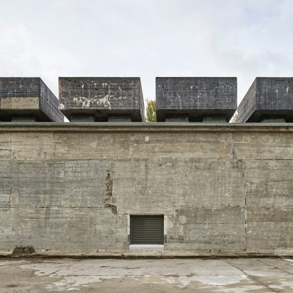 the-feuerle-collection-john-pawson-architecture-berlin_dezeen_2364_sqc