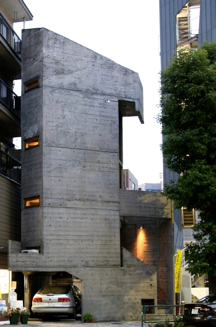 Tower House by Takamitsu Azuma