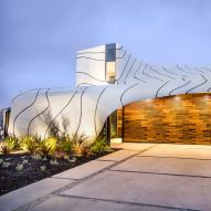 Mario Romano creates rippling aluminium skin for California home