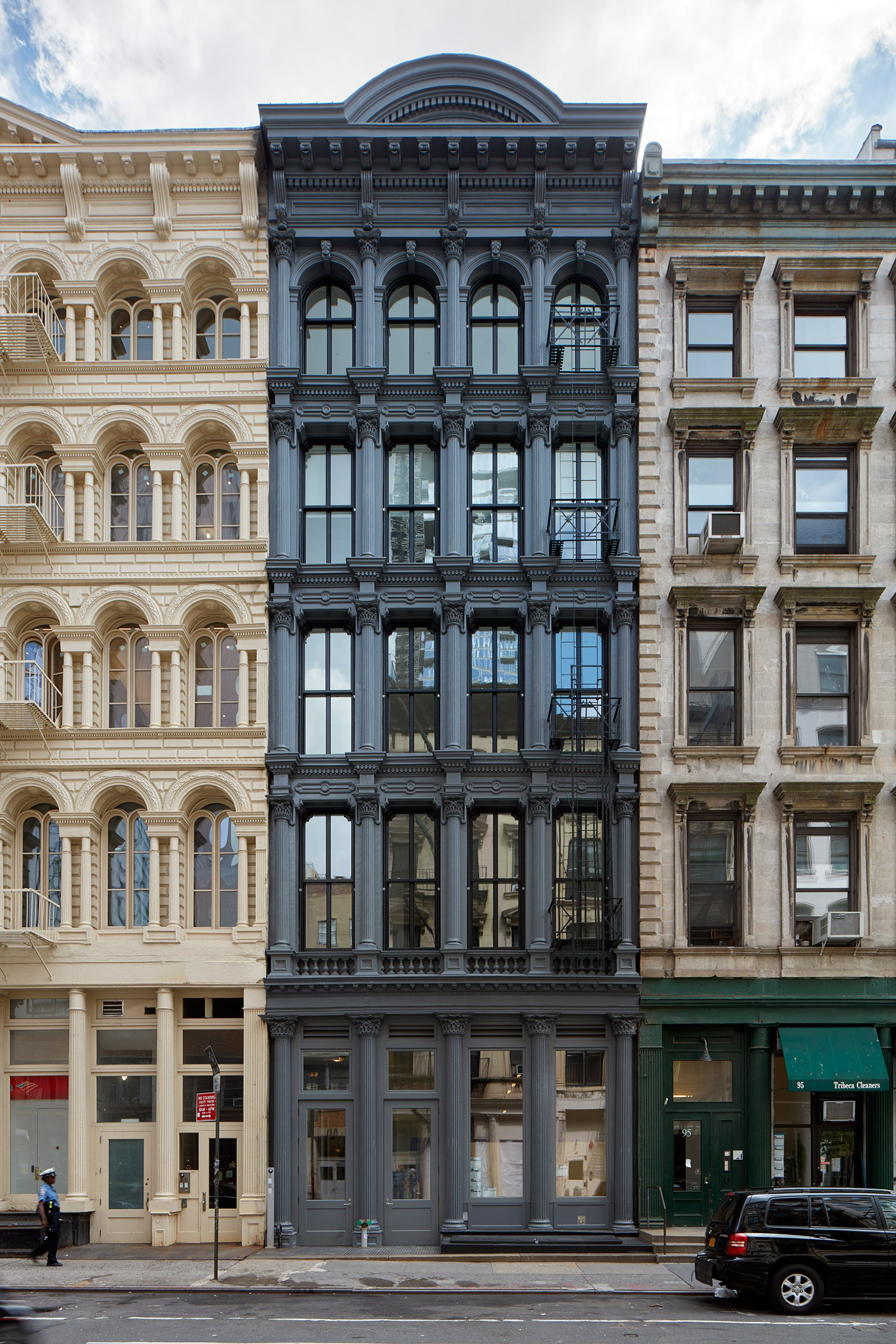 WORKac adds jagged black rooftop extension to historic Manhattan building