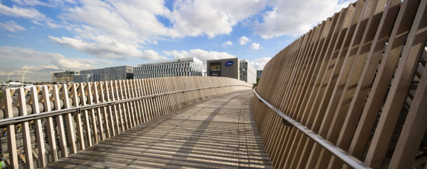 architizer-footbridge-over-the-boulevard-peripherique-dvvd-infrastructure_dezeen_2364_col_0