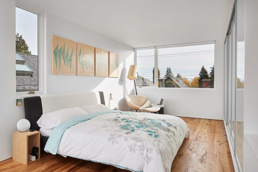 Artist in Residence by Heliotrope