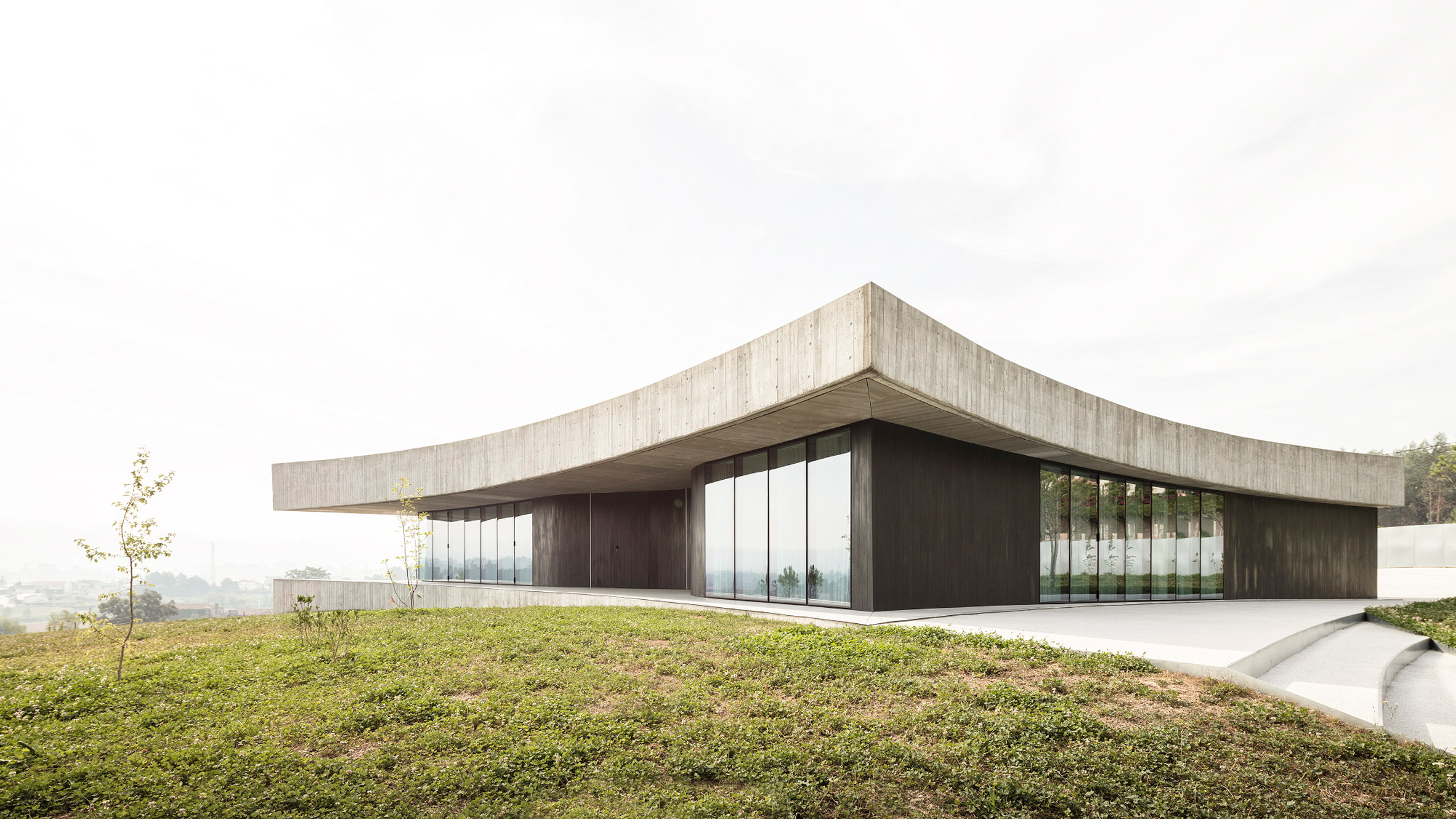 cabo-de-vila-house-spaceworkers-residential-architecture-portugal_dezeen_hero