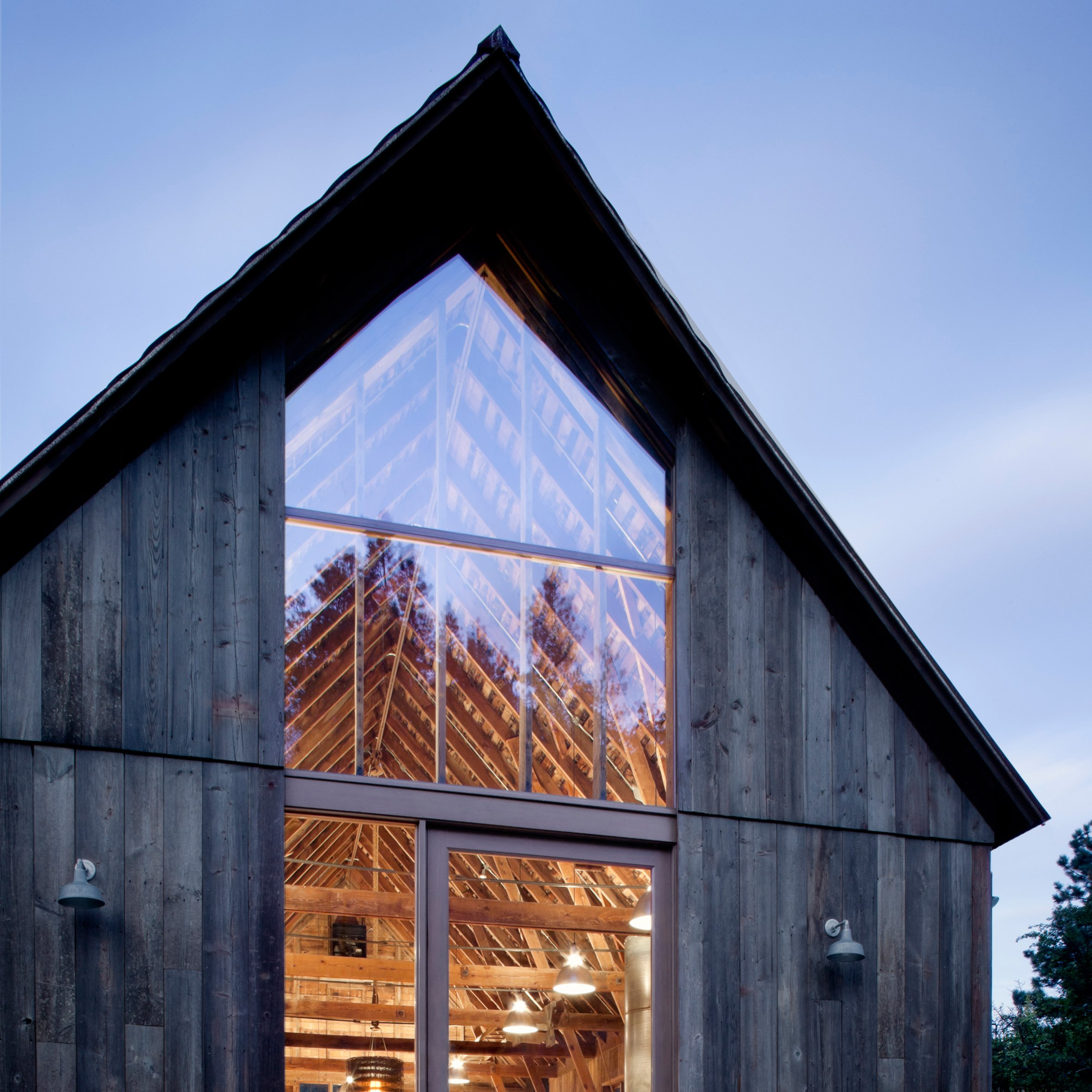 Mw Works Architecture - Mw works transforms century old washington barn into rural family retreat