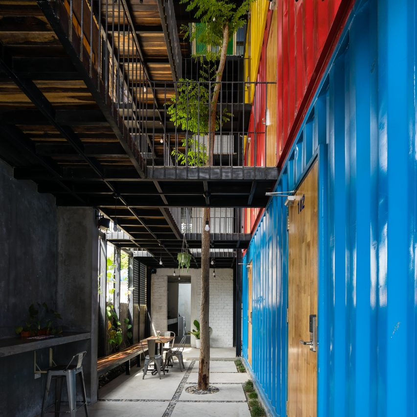 Stacked shipping containers house bedrooms at vietnam for Architecture container