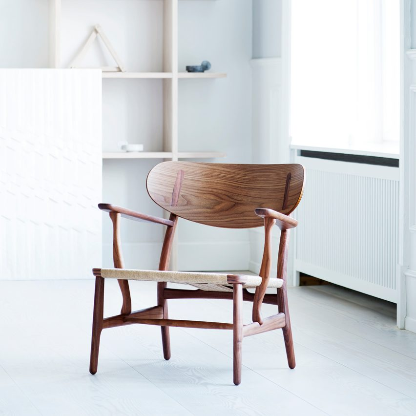 christmas-furniture-reissue-design-carl-hansen-and-son-reissues-hans-j-wegners-ch22-lounge-chair_dezeen_sq