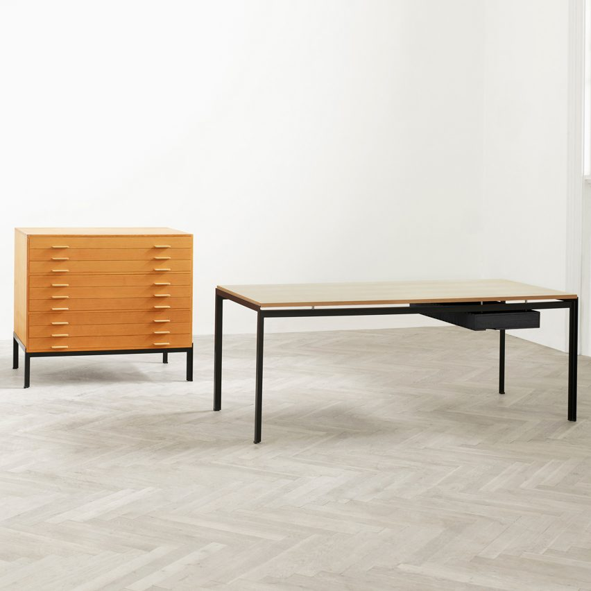christmas-furniture-reissues-design-poul-kjaerholm-pk52-professor-desk-oak-drawer-tables-carl-hansen-son_dezeen_sqb
