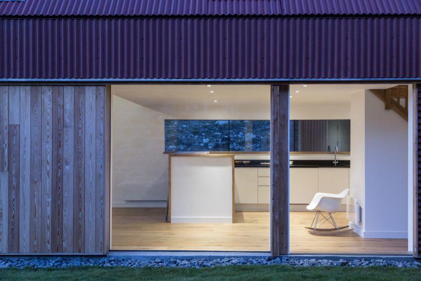 coldrach-moxon-houses-residential-scotland-architecture_dezeen_2364_col_23