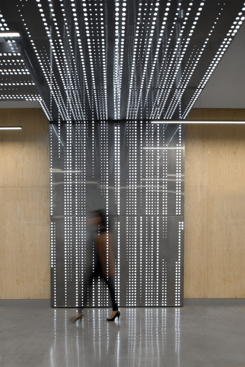 Connexion by Patrick Tighe