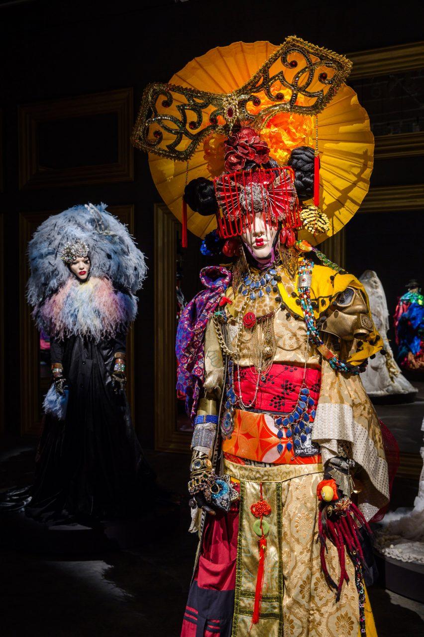 daniel-lismore-show-theatre-of-self-show-scad-design-miami-2016-design_dezeen_2364_col_5