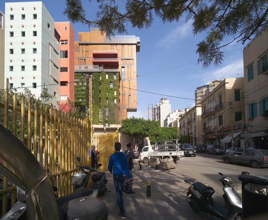 east-village_jean_marc-bonfils_apartment-art-gallery_lebanon-beirut_dezeen_1704_col_16