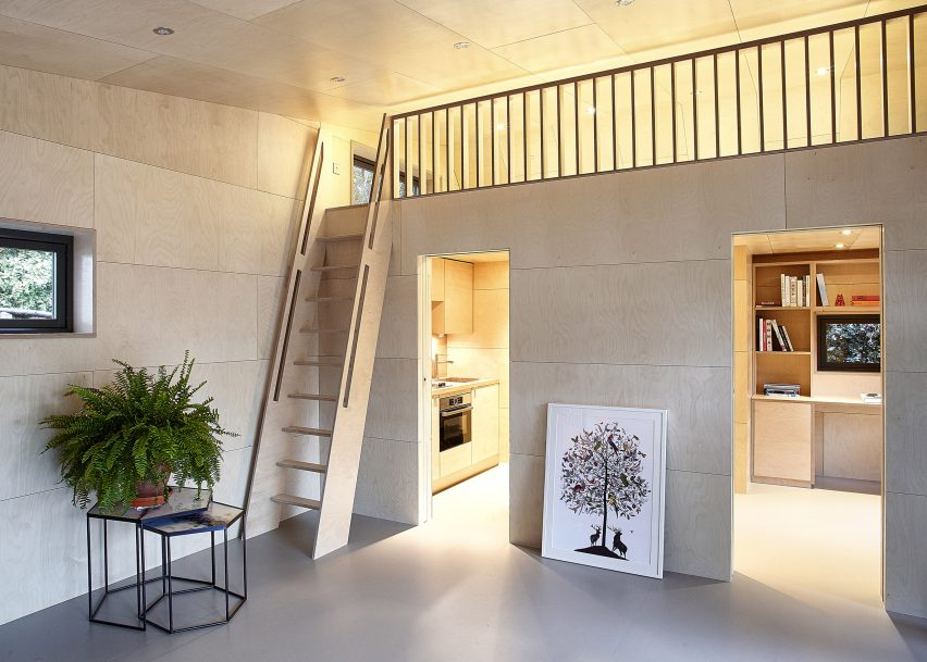 ecospace-ipt-architects-garden-studio-shed-uk-residential_dezeen_2364_col_5