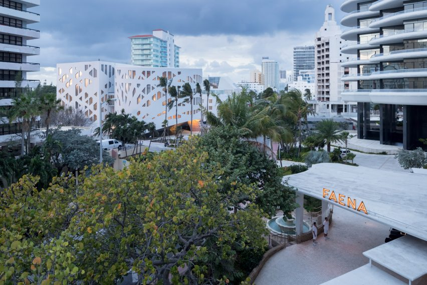 faena-bazaar-and-parking-garage-by-oma-miami-architecture-forum_dezeen_2364_col_17