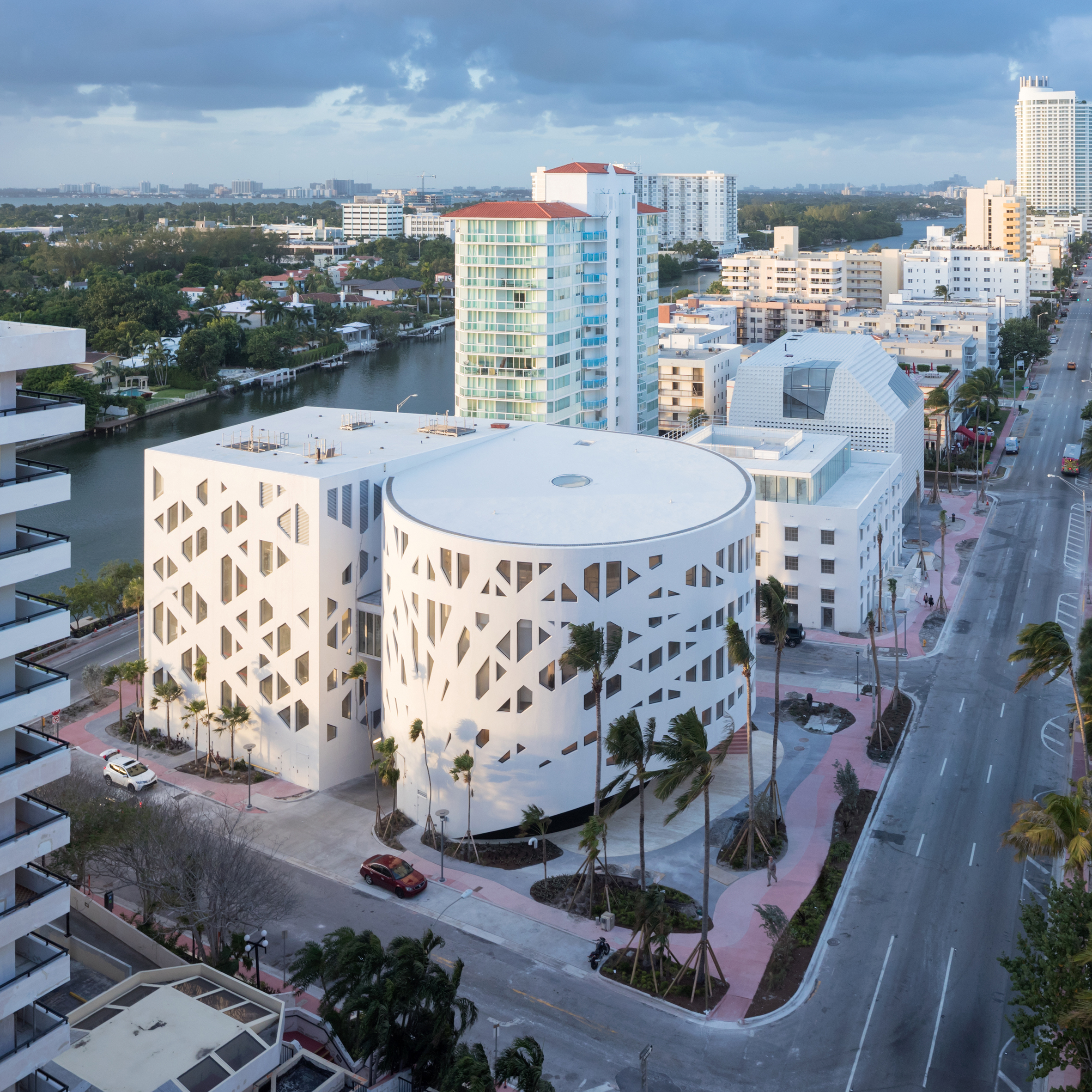 OMA Completes Trio Of Buildings For Miami Beach Cultural District