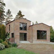 Hermansson Hiller Lundberg adapts Adolf Loos concept for brick House Juniskär in Sweden