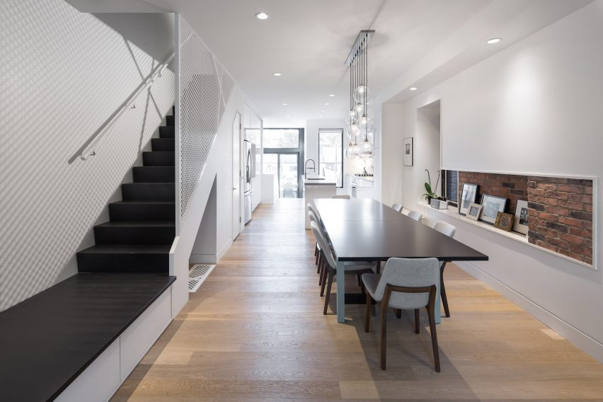 Architecture overhauls slender urban home in Toronto