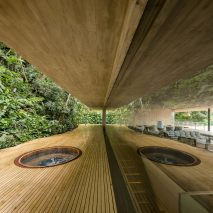 jungle-house-mk27-brazil-rainforest-fernando-guerra_dezeen_936_sq
