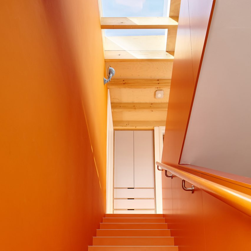 kennington-house-r20studio-dont-move-improve-architecture-residential_dezeen_sq