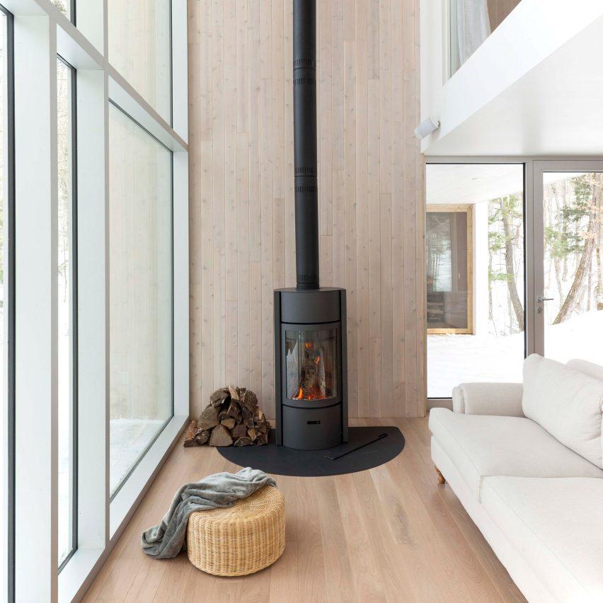 la-maison-haute-atelier-pierre-thibault-fireplace-dezeen-pinterest-col