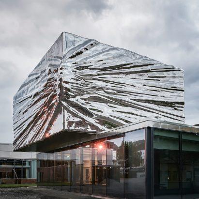 lillehammer-art-museum-cinema-expansion-snohetta-architecture-norway_dezeen_sqb