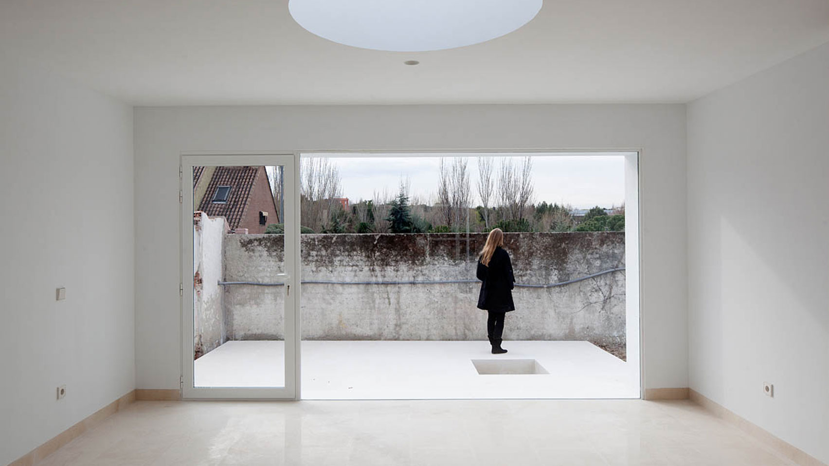 Little White Box at Turégano House by Alberto Campo Baeza
