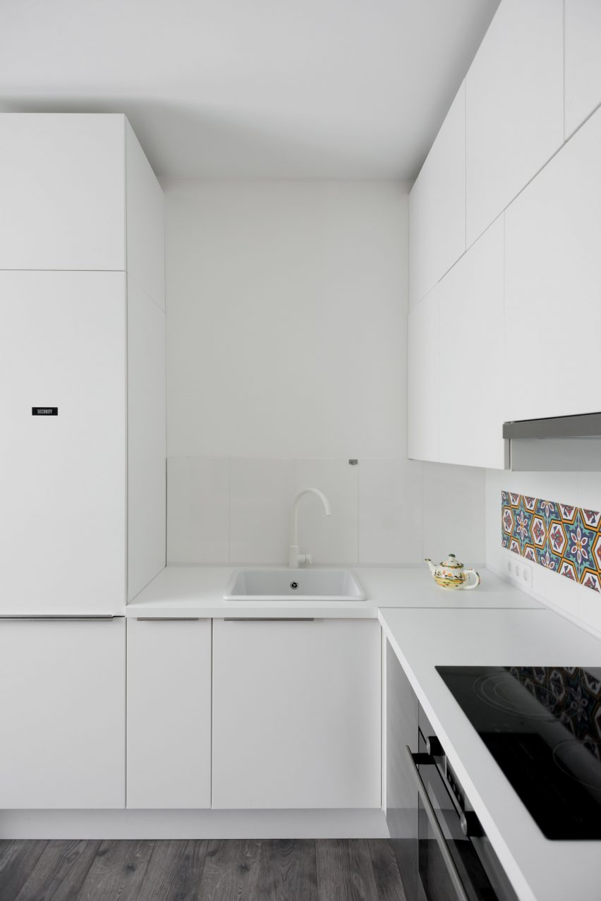 micro-apartment-in-moscow-by-studio-bazi-_dezeen_2364_col_14