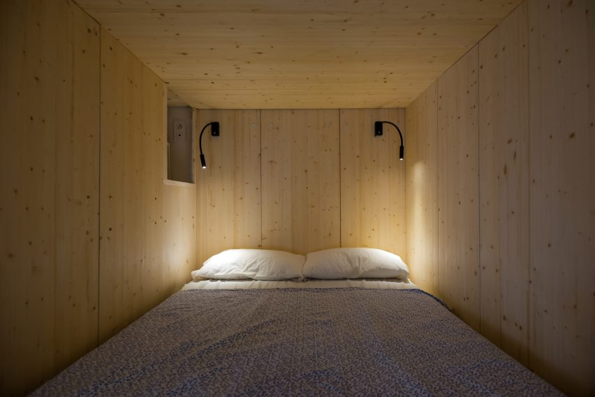 micro-apartment-in-moscow-by-studio-bazi-_dezeen_2364_col_6