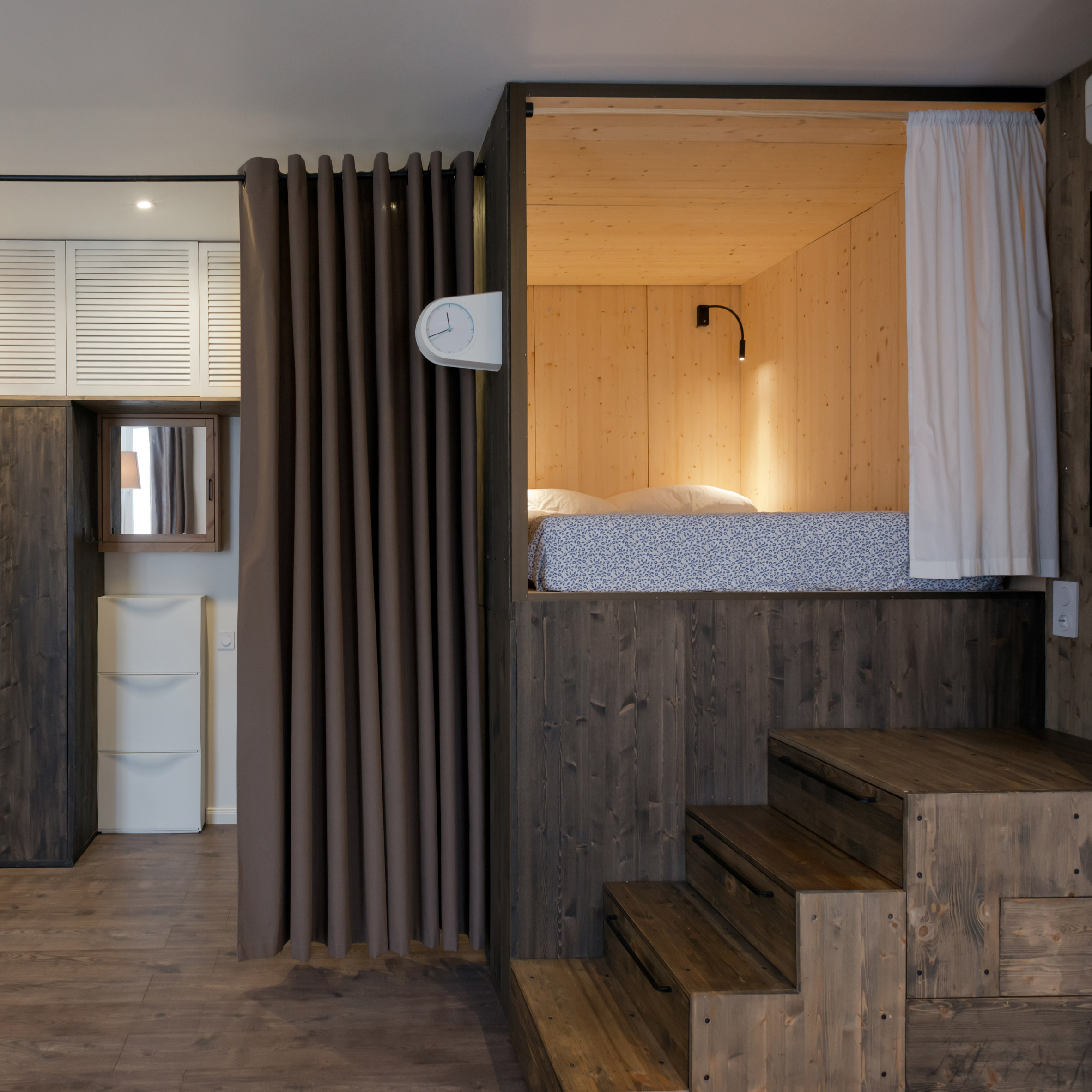 micro-apartment-in-moscow-by-studio-bazi-_dezeen_2364_sq1
